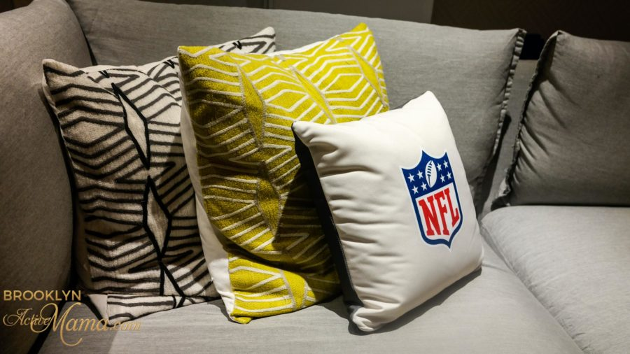 Alyssa Milano New NFL GIII Touch Touch Line