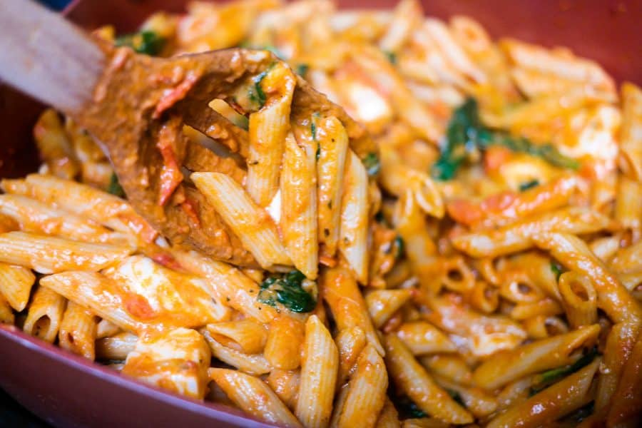 Looking for an easy and meatless italian dish for dinner? Check out this Penne Rosa Recipe that is sure to please everyone!