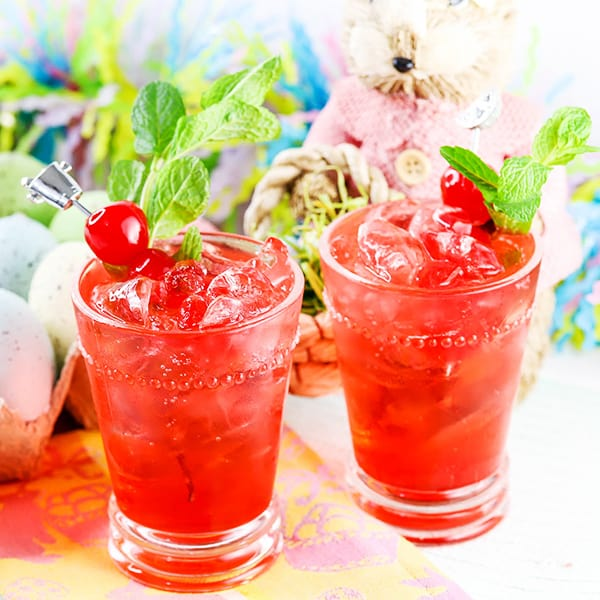 Looking for some fun non alcoholic mocktails to serve your guests this season? Check out these 17 awesome recipes perfect for any party!