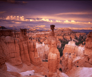 There are so many amazing sights to see in the USA! Check out these 20 best places to travel in your 30s! Have you checked all these off your list yet?