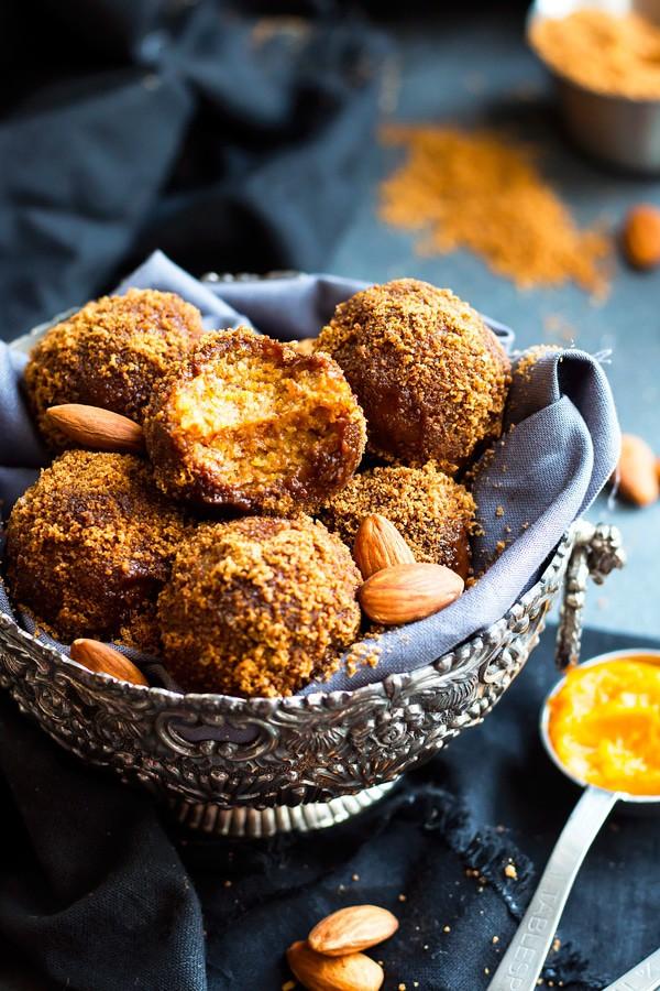 No Bake Pumpkin Pie Balls | A Gluten Free & Vegan Snack Recipe