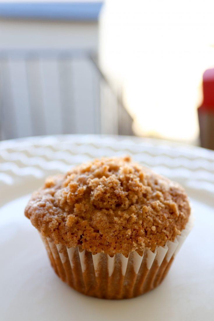 Super Simple and Delicious Apple Cinnamon Muffins