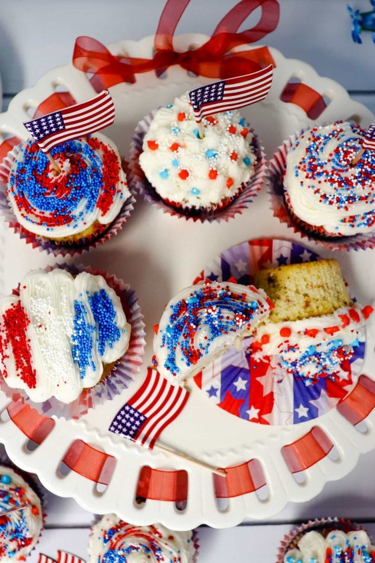 Delicious 4th of July Patriotic Cupcakes