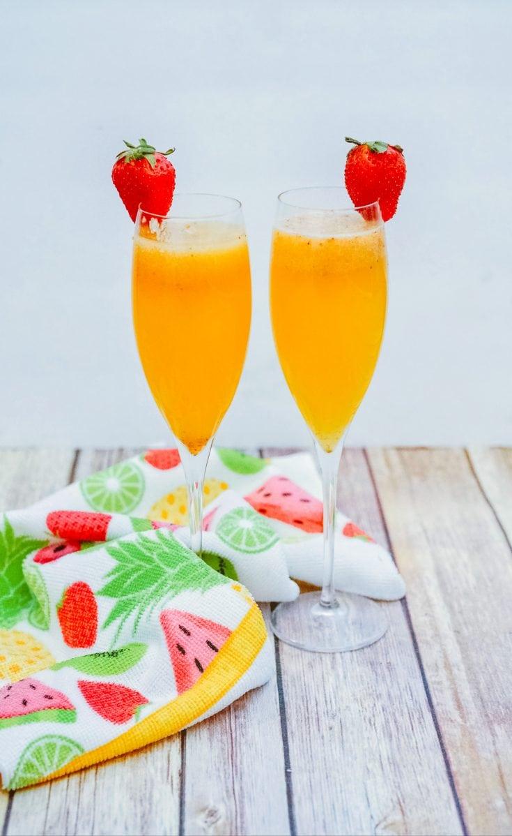 Easy Strawberry Mimosas
