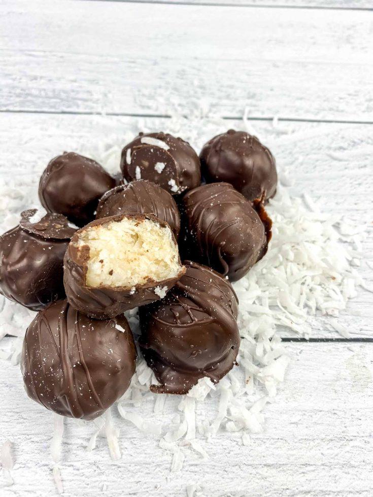 Easy and Healthy Coconut Balls