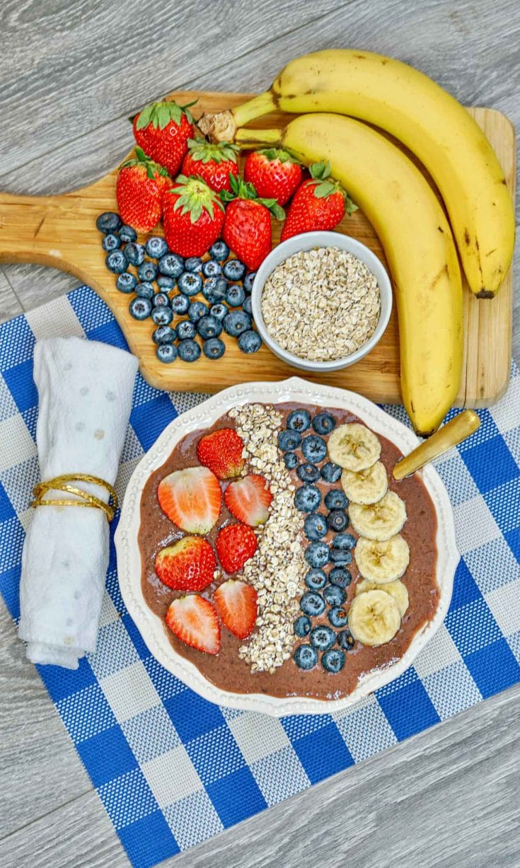 Healthy Breakfast: Acai Berry Smoothie Bowl