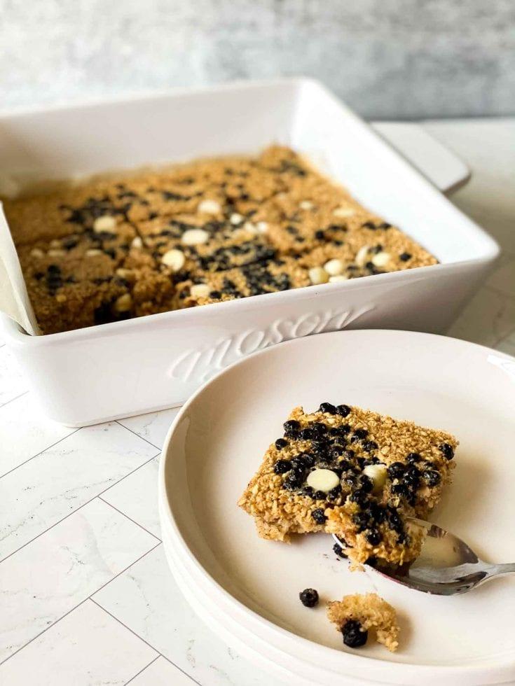 Easy Tik Tok Baked Oats For Breakfast - Simple Viral Recipe