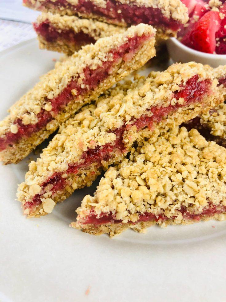 Strawberry Baked Oatmeal Bar Recipe