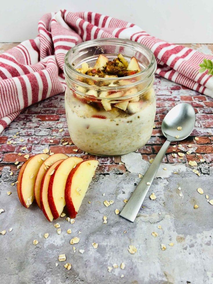 Apple Cinnamon Overnight Oats - Healthy Breakfast To Go